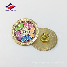 Newest fashion gold plating award cheap badges
