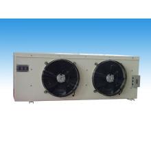 Evaporador pendurado no topo da sala de armazenamento a frio