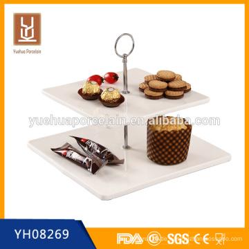 Großhandel 2-stufige weiße Porzellan-Quadrat Kuchen Platte Stand mit Metall-Griff