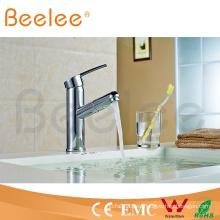 Grifo mezclador de agua fría caliente plateado cromado del nuevo diseño