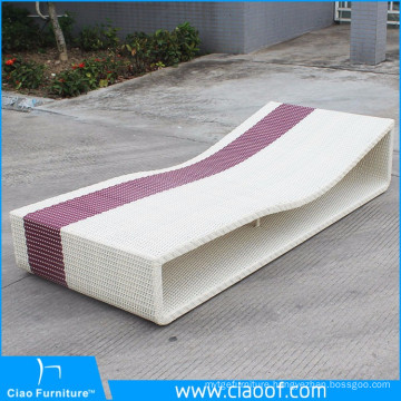 China Big Factory Sale Plastic Beach Sunbed