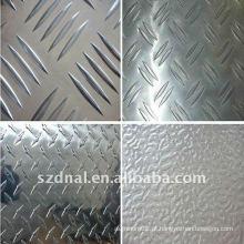Placa em alumínio em relevo 3005