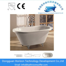 White freestanding bathtub acrylic tub