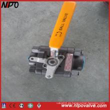 Válvula de bola roscada NPT de tres piezas de ANSI
