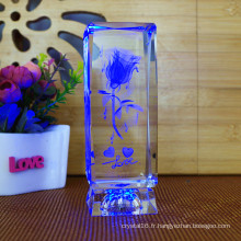 Cadeaux d'anniversaire de nouveauté faire pivoter 3D Laser Crystal Rose Flower Cube