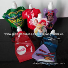 Plastic Cartoon Foldable Water Bottle with Carabiner for Children