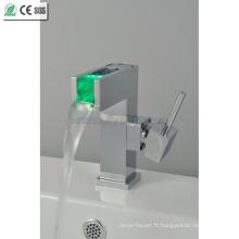 Robinet de mélangeur de cuvette en laiton à 3 couleurs LED (QH015F)