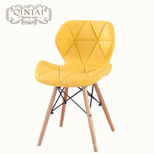 Atacado de luxo barato Alibaba mobiliário Escandinavo olhar estilo Nórdico amarelo cadeira de jantar PU de couro com pernas de faia de madeira
