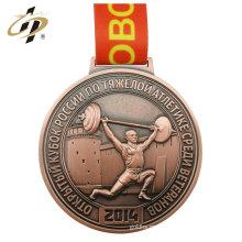 Medalla de bronce del levantamiento de pesas de la aleación del cinc del deporte de encargo libre de la muestra con la suspensión