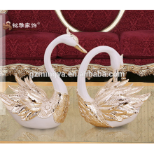 Décoration intérieure polyresine figurine d'animaux statues de table de cygne pour des ventes chaudes