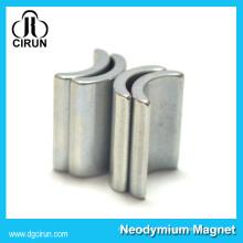 Aimant permanent fait sur commande de moteur de néodyme de forme d'arc pour la turbine de vent