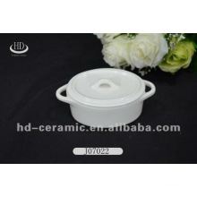 Oval shape ceramic casserole dish with lid