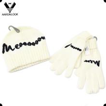 Inverno de alta qualidade mão bordado logotipo da menina luva beanie conjunto