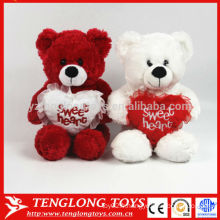 Ours de mariage en couple rouges et blanc pelucheux ours en peluche doux