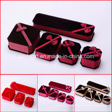 Cajas de joyería de tela Anillo / collar / pulsera caja de embalaje con arco de cinta