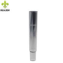 tubo de creme de olho cosmético potenciador de pele com cauda de tubo aberto