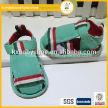 Nova venda por atacado mais vendida para a moda de verão sandálias suaves e suaves para bebês