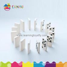 Dominois à la pointe du plastique à deux nœuds (K072)
