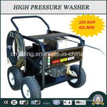 Машина для очистки под давлением с промышленным насосом с армированным газом 320 бар (HPW-QK1842C)