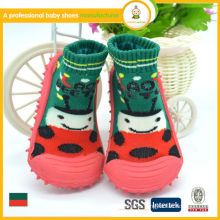 2015 hot sale lovely wholesale green knitting and rubber outsole baby kids socks shoes