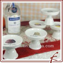 Soporte de pastel de cerámica con pie