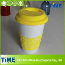 Caneca de café cerâmica com tampa do silicone e faixa