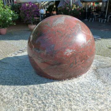 En gros pierre naturelle décoration de jardin boule de granit