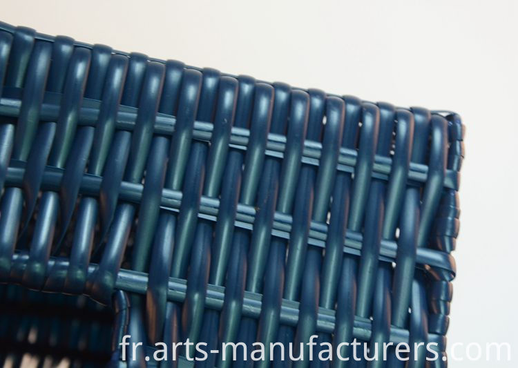 weaving plastic basket