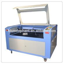 Máquina de grabado de madera del laser del cuero MDF de acrílico 1390, cortadora del laser