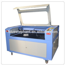 Machine de gravure laser en bois de cuir de MDF 1390, machine de découpage de laser
