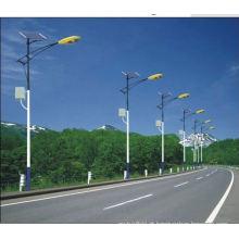 Galvanizado a quente de energia solar pólo de luz de rua