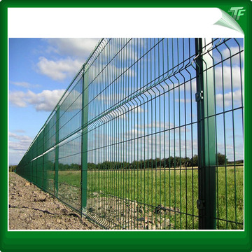 Commercial welded mesh fencing panels