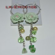 2012 fashion green rose shaped resin earring with pearl jewelry