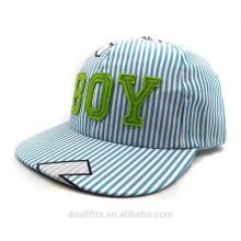 Blue stripe com boy logo preço barato para chilren cap fabricado na china para 2016