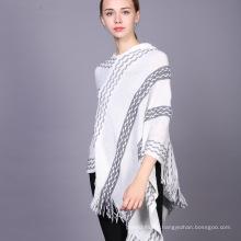 Nouveau style 2017 hiver dames glands chapeau ponchos femmes tricoté pull poncho