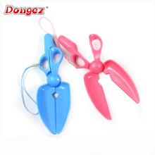 New Design pet cleaning product plastic mini scissors pooper scooper