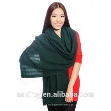 Projetam lenço na moda da caxemira