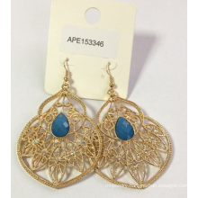 Lace Metal Earring with Blue Gem
