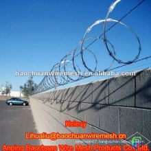 High quality road protecting razor barbed wire in store