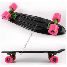 Skateboard noir avec Ce Standard (YVP-2206)