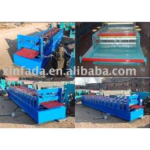 Rollo de azulejos ondulados que forma la máquina