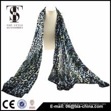 2015 écharpes imprimées multicolores de léopard en viscose