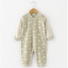 Farbige Baumwolle Jacquard Baby Langarm Spielanzug