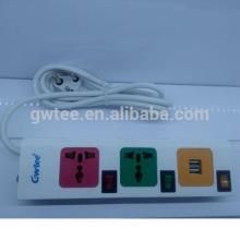El enchufe universal más nuevo del interruptor del usb del enchufe de 3 vías con la protección de la sobrecarga