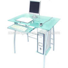 Bureau d'ordinateur de verre à la maison avec tube en acier
