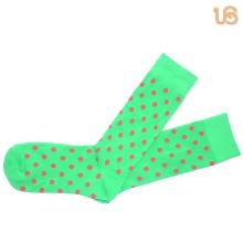 Мужской шаблон точками счастливый носок