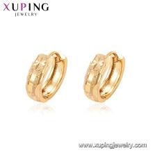 95075 Haute qualité promotion femmes bijoux simple conception 18k plaqué or en alliage de zinc huggies boucles d'oreilles