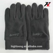 2015 mujeres / hombres del invierno venden al por mayor los guantes polares del paño grueso y suave