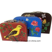 Коробка с чемоданом для косметической упаковки