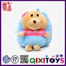 Pequeños juguetes lindos hechos a la medida del diseño del oso de la mochila del niño